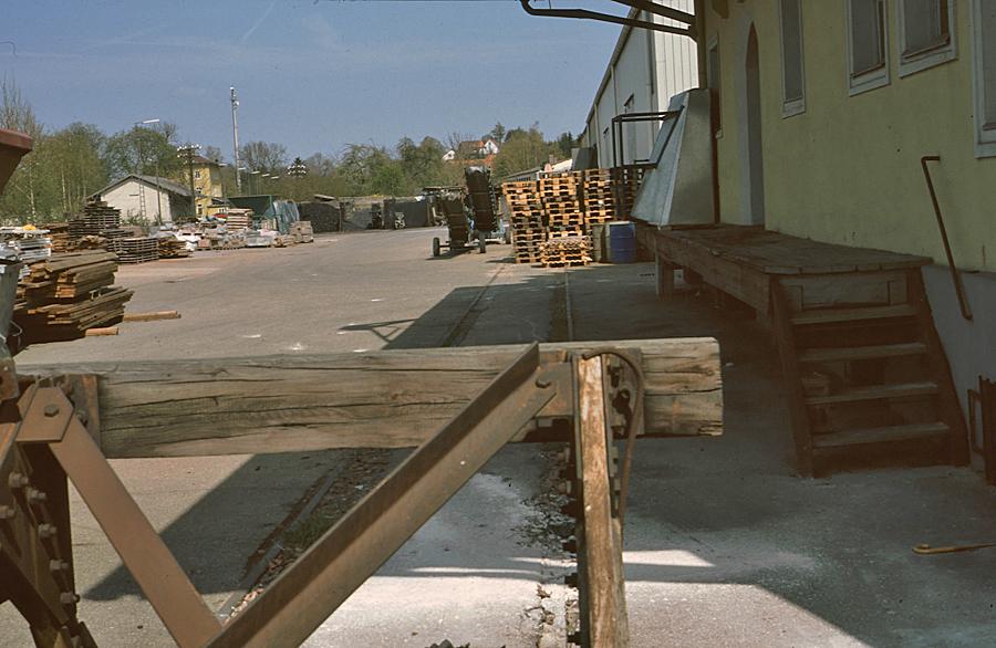 Prellbock beim Baywa-Lagerhaus um 1980