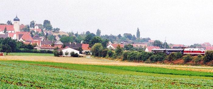 V 228 des BEM 1994 südlich von Martkoffingen