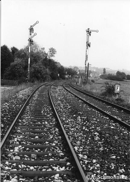 VT 95 aus Rothenburg Einfahrt in Schillingsfürst 1971