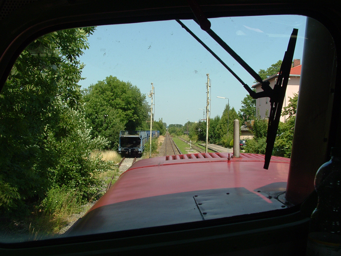 Blick aus der V100 1365 Einfahrt Feuchtwangen am 24.7.12