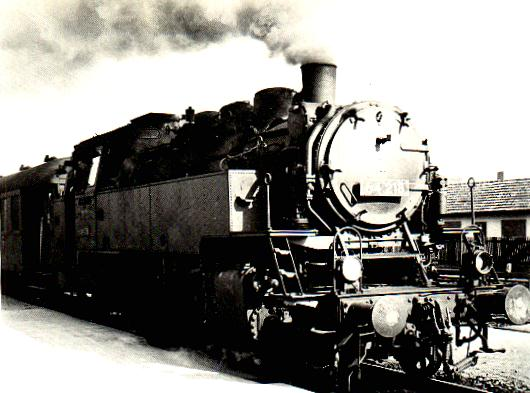 Baureihe 64 als Eilzug in Dinkelsbühl