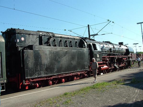 UEF 01 1066 auf Gleis 1 in Dombühl - 12.5.08