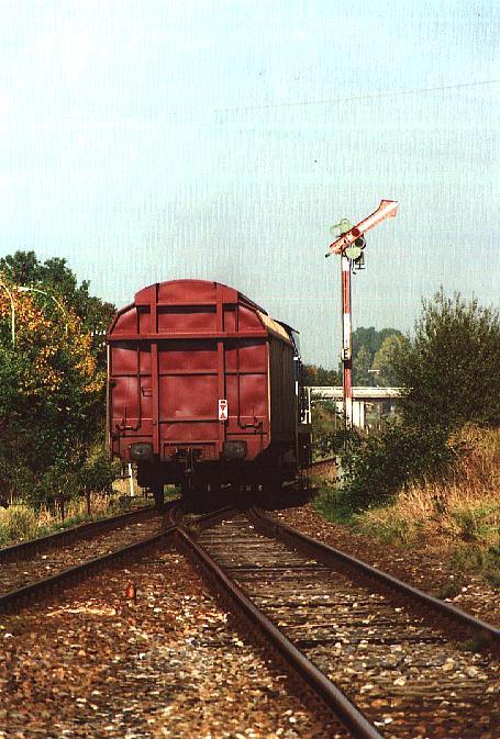 Übergabe-Güterzug verlässt Feuchtwangen in Richtung Dombühl/Ansbach