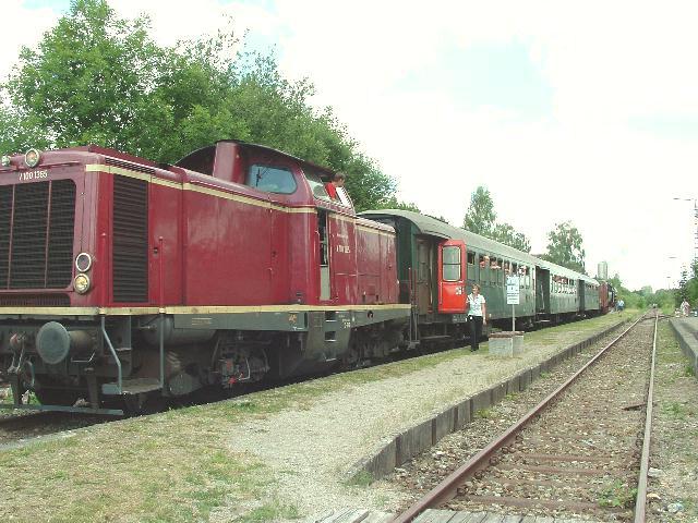 V 100 1365 und 52 8168-8 Feuchtwangen Juni 2008