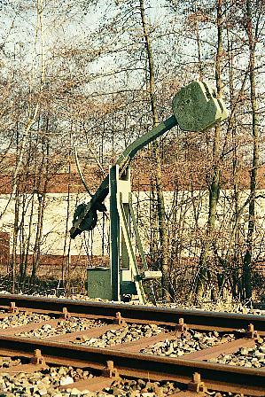 Spannwerk beim Einfahrhauptsignal Feuchtwangen Süd 2.1.1990
