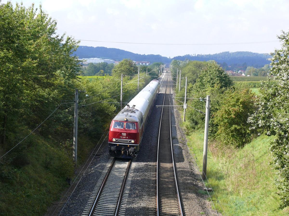 Ehemalige Rheingold-Zuggarnitur bei Schnelldorf am 28.9.2010