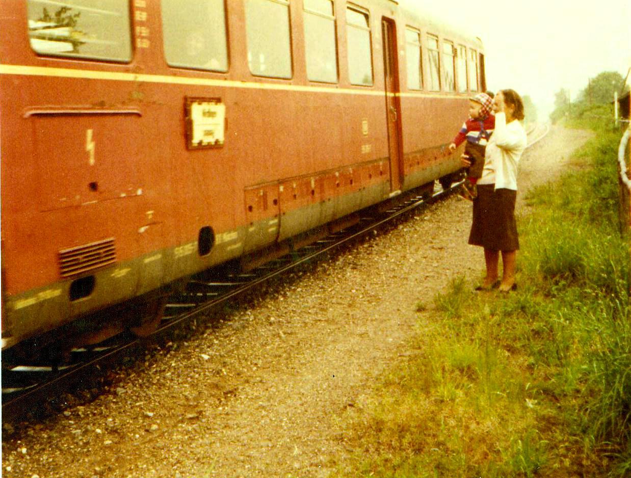Letzter Personenzug verlässt Knittelsbach 1975