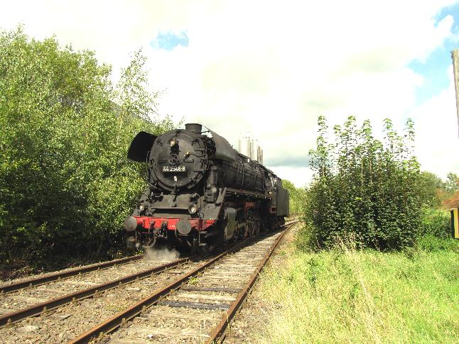 Umsetzen in Feuchtwangen über Gleis 1 am 28.8.2011