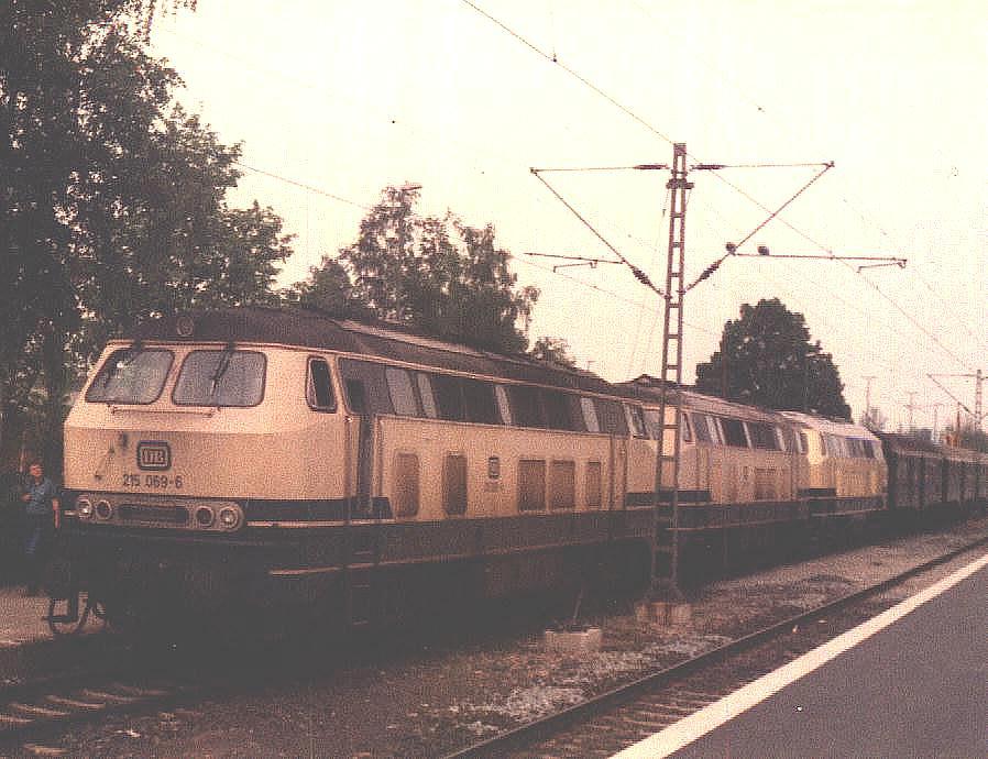Baureihe 215 in Crailsheim 1985