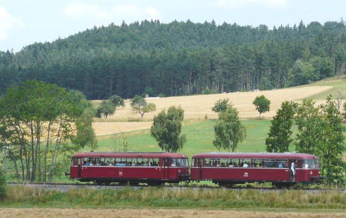 VT 98 Pfalzbahn am 27.7.2008 bei Bortenberg
