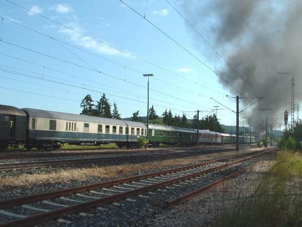 Sonderzug nach Sonneberg 20.6.09 mit 03 2295-8 in Dombühl