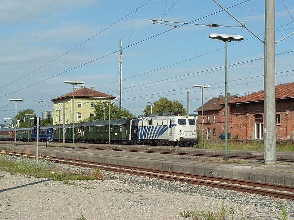 139 310-7 mit Piko-Sonderzug am 20.6.09 in Dombühl