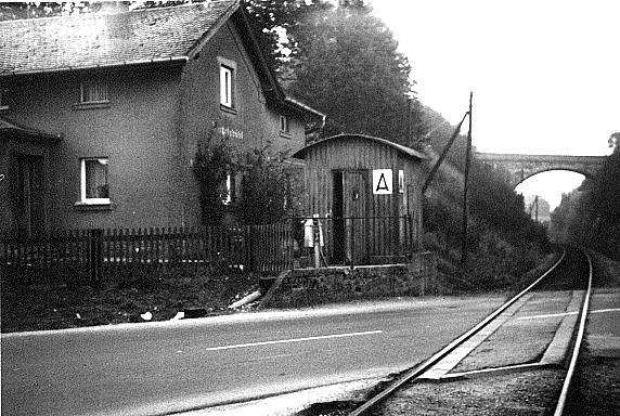 Schrankenwärterhaus an der Feuchtwanger Straße
