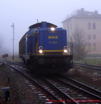 V 1351 MWB Ausfahrt aus Feuchtwangen