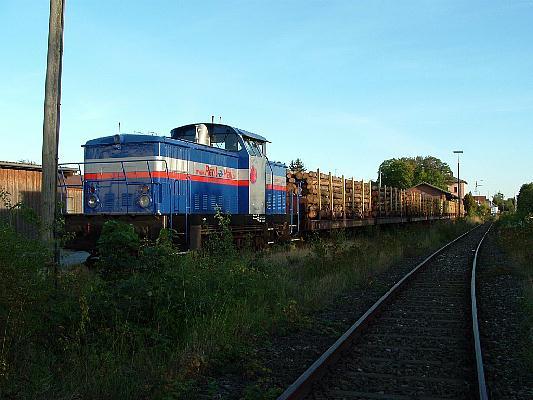 Holzzug mit RAR V 650.04 am 9.9.04 in Feuchtwangen