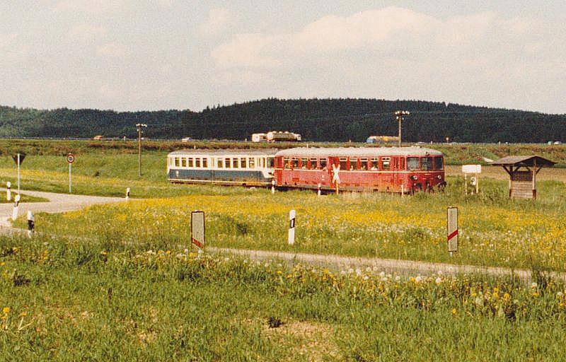 Akkutriebwagen 1985 Haltestelle Vehlberg